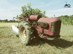 Foto van een Energic 411, afkomstig van Lyon en gisteren gaan halen. Nummer 4 in de energic collectie :) Walk Behind Tractor, Outdoor Tools, Gasoline Engine, Buick, Old Cars, Outdoor Gardens, Abandoned, Trains, Diesel