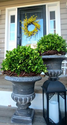 Down to earth style: preserved boxwood makeover home front porch flowers, f Porch Urns, Front Porch Planters, Front Porches, Porch Roof, Porch Topiary, Porch Chairs, Porch Swing, Front Door Plants, Front Porch Flowers