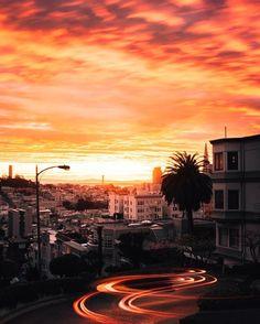 """Mi piace"": 175.5 mila, commenti: 898 - BEAUTIFUL DESTINATIONS (@beautifuldestinations) su Instagram: ""Sunset skies in San Francisco 🌅 (📷: @jude_allen)"""