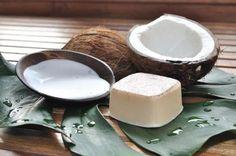 Nada melhor que o óleo de coco para cuidar da sua pele, por isso aprenda a fazer este fantástico sabão! #sabonete #sabão #coco #oleococo