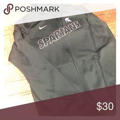 Nike women's therma-fit full zip spartan hoodie Forest green women's Nike therma-fit full zip hoodie. Nike Tops Sweatshirts & Hoodies