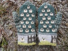 Ravelry: Yan Tan Tethera: Counting Sheep in Century Poetry Mittens pattern by The Farm at Morrison Corner Knitted Mittens Pattern, Knit Mittens, Knitted Gloves, Knitting Socks, Baby Knitting, Knitting Charts, Knitting Patterns, Knitting Projects, Crochet Projects