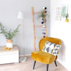 Living Room Kitchen, Ladder Decor, Chair, Yellow, Room Ideas, Dorm Stuff, House, Pork, Velvet