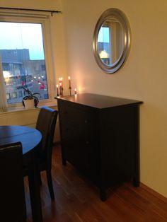 Appartment decoration black fourniture. Hemnes