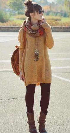 Mustard yellow oversized sweater. //