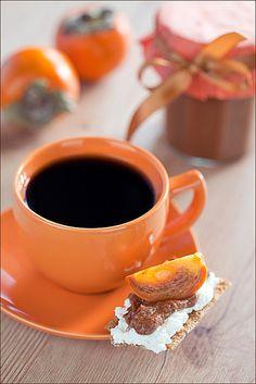 Persimmon and chocolate jam - Orangen Kuchen I Love Coffee, Coffee Break, Morning Coffee, Black Coffee, Danette, Café Chocolate, Autumn Tea, Autumn Harvest, Orange Aesthetic