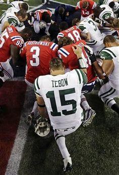 Football players prayer (October 21, 2012) Jets vs Patriots