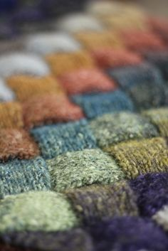 branda:  Spending the day at the monthly Yaquina Fiber Arts Guild in Toledo, OR (por Mirandy Pandy)