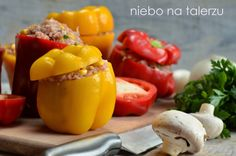 Na warzywnych straganach, papryki są najbardziej intensywnie kolorystycznie ze wszystkich warzyw. Pięknie pachną i cudnie wyglądają na półmi...