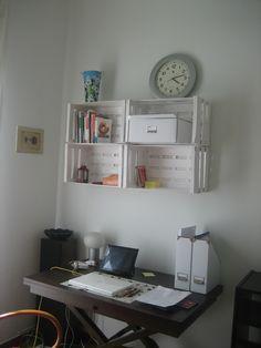 Despachos con encanto y de impacto positivo Floating Shelves, Home Decor, Decoration Home, Room Decor, Wall Shelves, Home Interior Design, Home Decoration, Interior Design