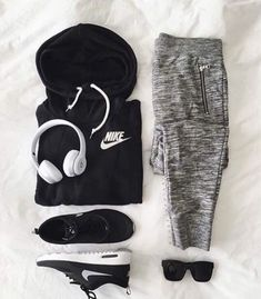 Fitness Outfits Women Athletic Wear Nike Shoes Outlet Ideas For 2019 Nike Outfits, Sport Outfits, Summer Outfits, Casual Outfits, Fitness Outfits, Fitness Shoes, Gym Fitness, Fitness Tracker, Casual Shoes