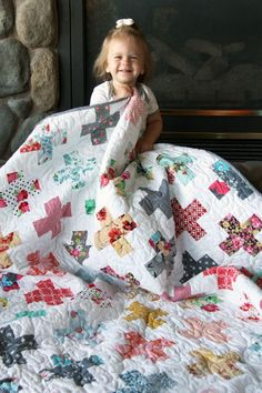 All the Florals Plus Quilt, Simple Addition Pattern Cluck Cluck Sew Quilting Tutorials, Quilting Projects, Sewing Tutorials, Sewing Patterns Free, Quilt Patterns, Canvas Patterns, Cluck Cluck Sew, Plus Quilt, Sewing Hacks