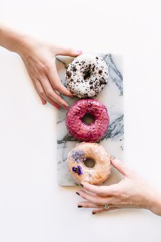 In the Mix with Sidecar Doughnuts - Sugar and Charm - sweet recipes - entertaining tips - lifestyle inspiration Delicious Donuts, Yummy Food, Sidecar Donuts, Food Flatlay, Food Photography Tips, Donut Recipes, Aesthetic Food, Confectionery, Doughnuts
