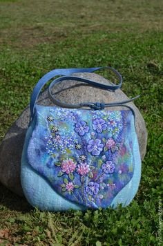 "Валяная сумка ""Сны луговых ветров"" — работа дня на Ярмарке Мастеров ➡ http://www.livemaster.ru/item/10724487 / Felted purse"