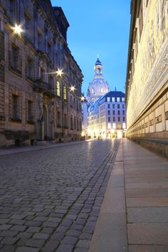 http://breathtakingdestinations.tumblr.com/post/126900856012/dresden-germany-by-dominik-dome