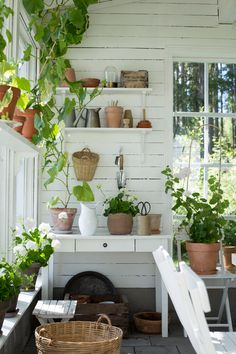 I've always been drawn to pretty potting sheds. Who says that getting dirty can't be done in a beautiful space? If the potting shed has a spot to pause for a moment to enjoy a beverage, then all… Garden Shed Interiors, Greenhouse Interiors, Easy Garden, Indoor Garden, Outdoor Gardens, Rustic Gardens, Small Gardens, Monday Inspiration, Garden Inspiration