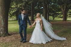 Fresh and fabulous Auckland wedding from Paper and Lace by Coralee Stone. Wedding dress by Stella York