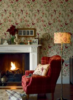 wallpaper laura ashley summer palace cranberry wallpaper more dining English Living Rooms, English Cottage Interiors, Deco Boheme Chic, Sweet Home, English Country Decor, Country Farm, Cottage Living, Cottage Style, My New Room