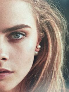 Cara's brows.