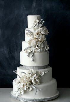The Caketress wedding cake, white & silver