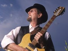 Roger McGuinn, Frontman of The Byrds, Curates Folk Den, Lets You Download Free Folk Music