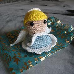 Rachel a ajouté une photo de son achat Hand Crochet, Crochet Hats, Le Clown, Big Noses, Teddy Bear, Etsy, This Or That Questions, Cute, Pattern