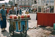 Efsane Turşucu, 1982 via @vaybebune #istanbul #turşu #sokakarasılezzetler #streetfood #istanlook