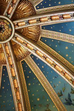 Dettaglio del soffitto magico al Castello di Coch