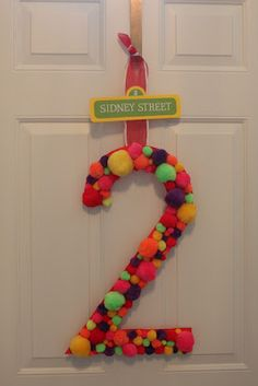 Keeping up with the Kiddos: Sidney's Elmo Birthday Party Elmo Birthday, First Birthday Parties, First Birthdays, Birthday Door, Dinosaur Birthday, Sesame Street Party, Sesame Street Birthday, Elmo Party, Mickey Party