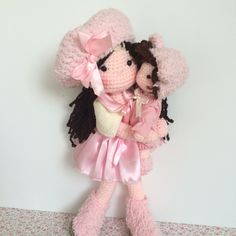 Mommy and baby amigurumi dolls