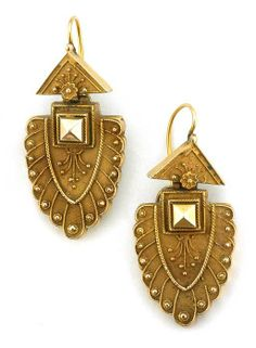 etruscan revival earrings from doyle & doyle Victorian Gold, Victorian Jewelry, Antique Jewelry, Silver Jewelry, Vintage Jewelry, I Love Jewelry, Fine Jewelry, Jewelry Design, India Jewelry