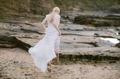 We used natural tones of whites, creams and browns with hints of coral throughout the design. Captured by White Cat Studio and Styled by Petal&Twine. Bridal Looks, Bridal Style, Wedding Designs, Wedding Styles, Coral Eyeshadow, Sustainable Wedding, Beach Elopement, Romantic Beach, Irish Wedding