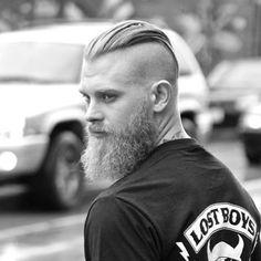 Slicked Back Undercut with Long Beard - Mens hairstyles - Beauty Man Bun Hairstyles, Mens Hairstyles With Beard, Hair And Beard Styles, Haircuts For Men, Long Hair Styles, Hairstyle Man, Viking Hairstyles, Hairstyles 2018, Undercut Men