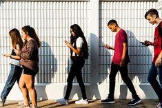 El teléfono celular: estrella de las tecnologías de la comunicación social, llegó para ayudarnos -de una manera muy cómoda-, a sintetizar muchas de las necesidades que en materia de procesos requerimos para vivir o desarrollar plenamente una vida laboral, académica, familiar o social.