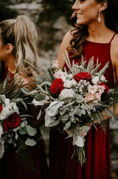 Red, Sage, White and Silver Sage Wedding Color Palette Choosing your wedding palette is one of those early wedding planning. And if you're planning for autumn or winter, today we have just a perfect wedding color palette for you. Winter Wedding Bridesmaids, Winter Wedding Decorations, Winter Wedding Flowers, Christmas Wedding Bouquets, Wedding Ideas Christmas, Flowers For Weddings, Red Rose Wedding Bouquet, Christmas Bridesmaid Dresses, Sunflower Weddings
