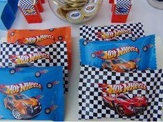 SD Eventos: HOT WHEELS PARA TINO! Candy Bar Hot Wheels Hot Wheels Sweet Table Hot Wheels candys Hot Wheels birthday Hot Wheels Party Cumpleaños Hot Wheels Alfajores Hot Wheels