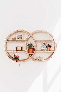 Dahlila Double Round Wall Shelf - Inventive Diy Wall Decor B Diy Casa, Cute Dorm Rooms, Retro Home Decor, Cool Home Decor, Home And Deco, Diy Wall Decor, Decorating Wall Shelves, Boho Decor, Corner Wall Decor