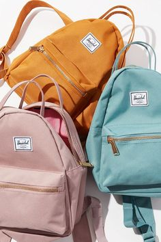 Herschel Supply Co. Cute Mini Backpacks, Stylish Backpacks, Leather Backpacks, Diy Backpack, Backpack For Teens, Herschel Supply Co, Herschel Rucksack, Herschel Backpack Outfit, Unique Gifts For Kids