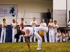"""O Clube Escola Vila Brasilândia oferece prática aberta de Capoeira voltada para diversas idades. Os horários são os seguintes: Entre 7 e 11 anos: De terça e quinta-feira, das 8h10 às 9h30 e das 13h10 às 14h20. Entre 7 e 24 anos: De sexta-feira, das 10h às 11h20 e das 15h às 16h20. Entre 12...<br /><a class=""""more-link"""" href=""""https://catracalivre.com.br/sp/saude-bem-estar/gratis/capoeira-clube-escola-vila-brasilandia/"""">Continue lendo »</a>"""