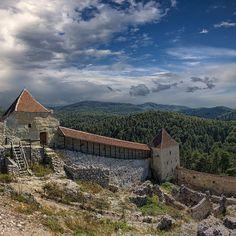 Balance. Rasnov - Romania. By 23gxg on Flickr