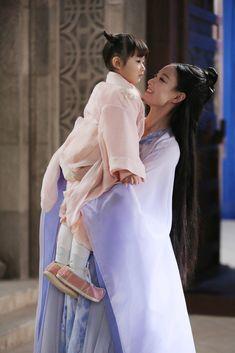 Love and Destiny 《宸汐缘》 - Chang Chen, Ni Ni Beautiful Chinese Girl, Beautiful Asian Women, Ni Ni Actress, Japanese Princess, Love Destiny, China Girl, Face Characters, Hanfu, Celebs