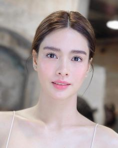 Beauty in our Time: Photo Fresh Makeup Look, Natural Makeup Looks, Simple Makeup, Beauty Makeup, Hair Makeup, Hair Beauty, Bride Makeup, Wedding Makeup, Filipina Beauty