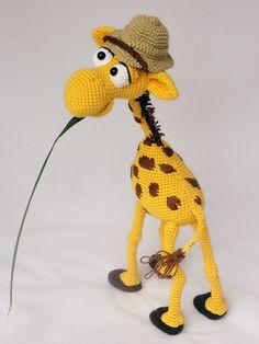 Geoffrey the giraffe amigurumi crochet pattern by IlDikko