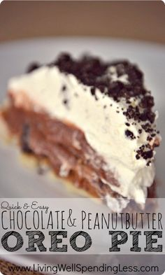 Quick & Easy Chocolate Peanut Butter Oreo Pie--this delicious no-bake last-minute dessert whips up in only 20 minutes! Hint: cheat & use a ready-made graham crust for even quicker assembly! Just Desserts, Delicious Desserts, Yummy Treats, Sweet Treats, Yummy Food, Summer Desserts, Delicious Chocolate, Summer Recipes, Peanut Butter Oreo Pie Recipe