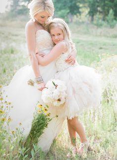 Emily Maynard and her daughter Ricki at Emily's surprise wedding: http://www.stylemepretty.com/2014/09/22/emily-maynards-surprise-wedding-to-tyler-johnson/ | Photography: Corbin Gurkin - http://corbingurkin.com/