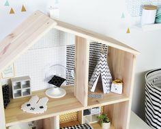 Eine Puppenhaus braucht eine tolle moderne Einrichtung. Pimpe jetzt deine IKEA Puppenmöbel und lade dir die kostenlose TIPI Bastelvorlage runter.