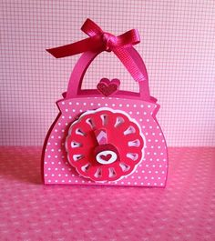 free studio cut file DIY 3D purse handbag favour gift bag box nail polish topper