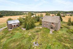 FINN – Hobøl - Stor og solrik eiendom med landlig beliggenhet Real Estate, Cabin, House Styles, Home Decor, Real Estates, Decoration Home, Room Decor, Cabins, Cottage