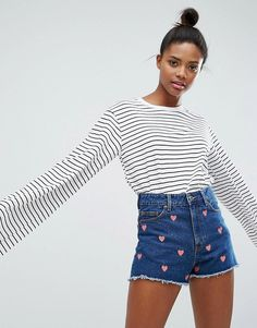 Buy Monki Stripe Oversized Longsleeve T-Shirt at ASOS. With free delivery and return options (Ts&Cs apply), online shopping has never been so easy. Get the latest trends with ASOS now. New Outfits, Cute Outfits, Fashion Outfits, Long Sleeve Crop Top, Long Sleeve Shirts, Latest Fashion Clothes, Fashion Online, Oversized White T Shirt, Scandi Chic