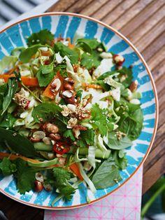 Aasilainen salaatti ja lohi - White Trash Disease | Lily.fi